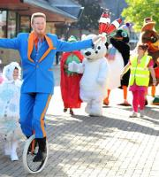 Christmas Parades: colourful parades with a cast of Christmas characters!