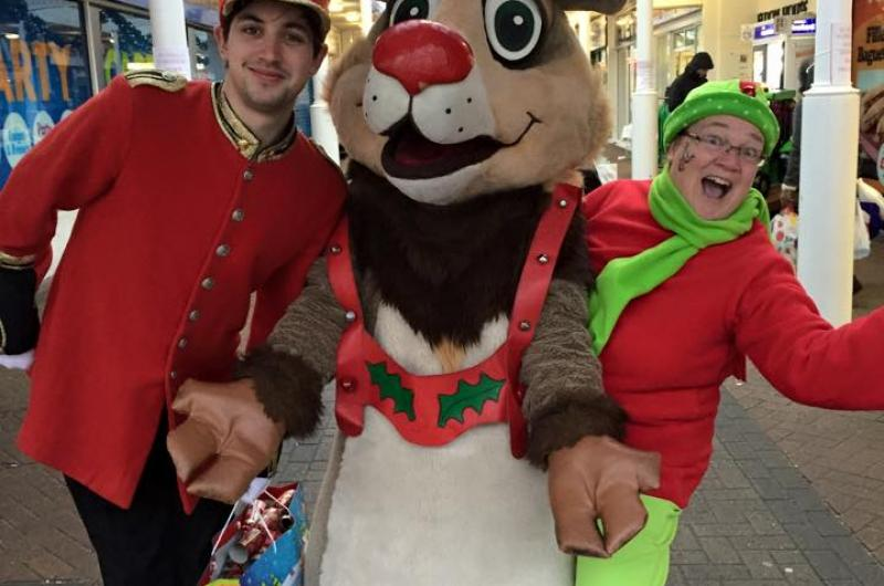 There was a Christmas Cracker Hunt in Erdington - children followed a series of clues with the help of our Elf, Toy Soldier and Rudolph to find a Christmas cracker, and the chance to win a grand prize!