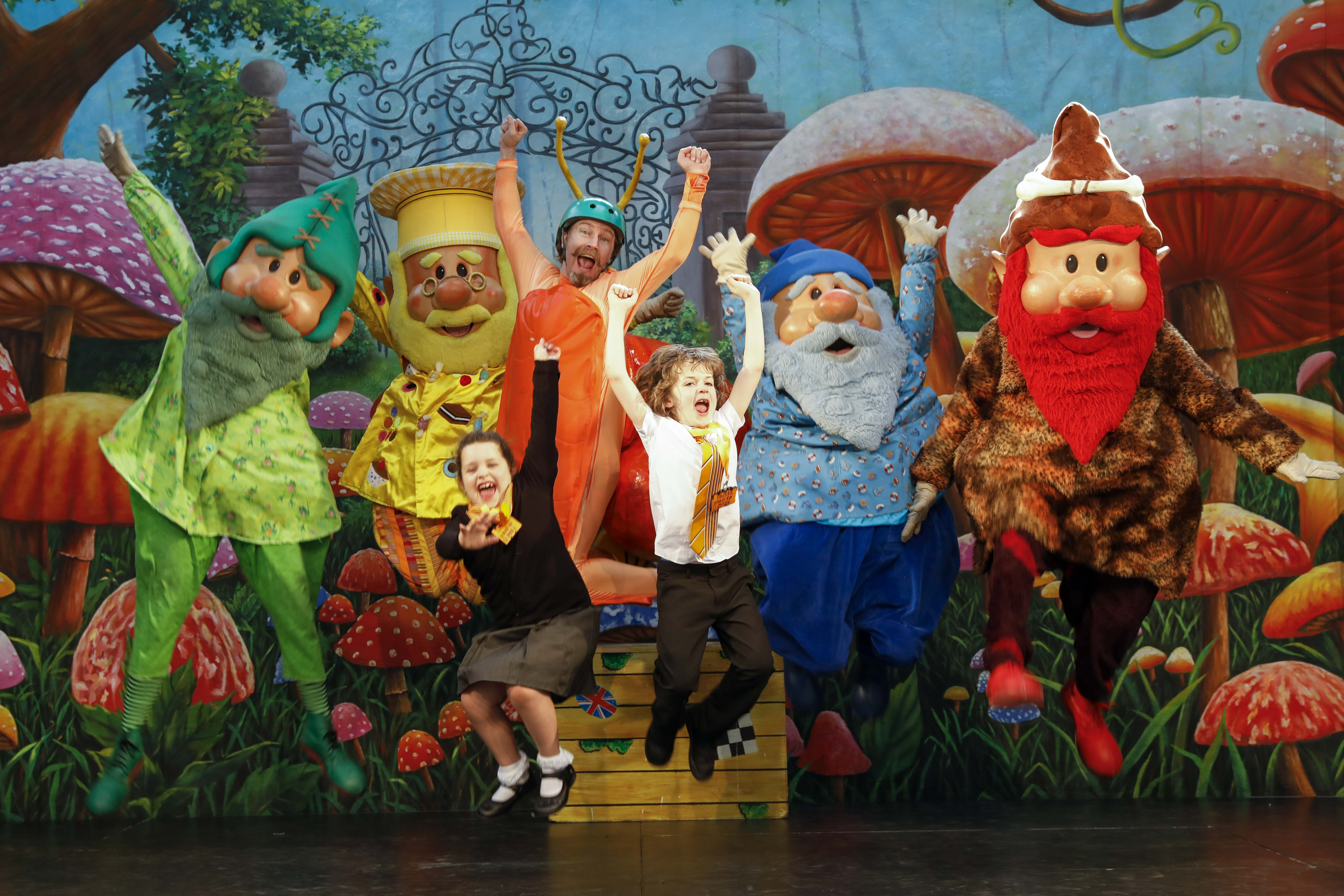 We worked with MetroCentre to provide a fun-packed Easter show with the Metrognomes!
